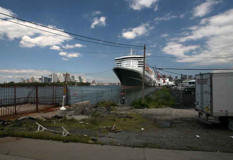 The Brooklyn Cruise Terminal in Red Hook, with Queen Mary 2