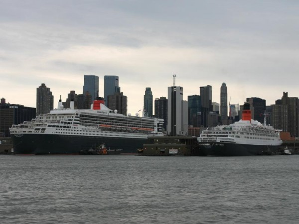 The Queen Mary 2 (QM2) and the Queen Elizabeth 2 (QE2) in New York City on 25 April 2004